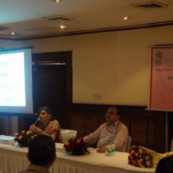 श्रीमती वंदना शर्मा, संयुक्त सचिव ( पेंशन) को संबोधित करते हूए